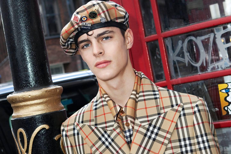 La revolución de Burberry: Vivianne Westwood colabora para la marca británica
