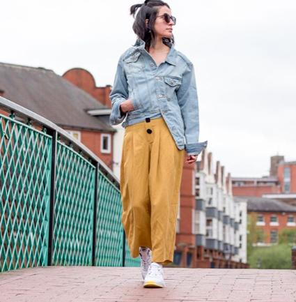 Arta Ayka, la instagramer que usa solo prendas de hombre de Zara