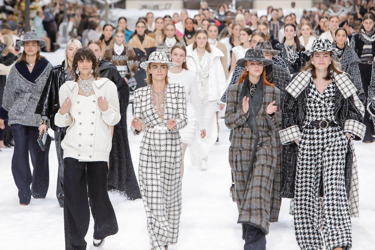 Entre Penélope Cruz y David Bowie: La última colección de Karl Lagerfeld para Chanel