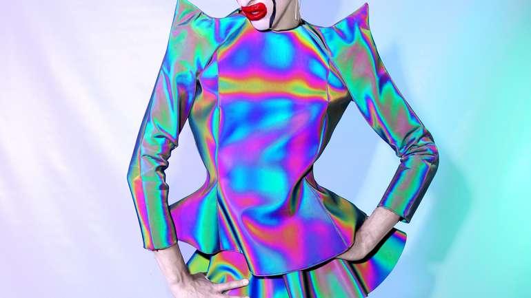 David Moss, el diseñador que usa la ropa para crear otra identidad