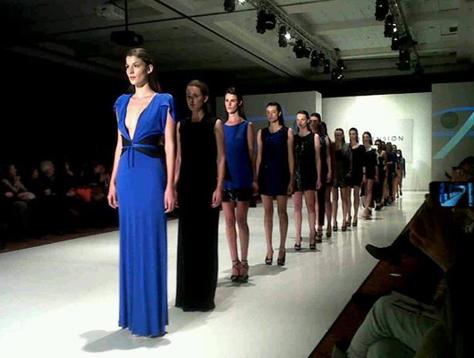 Desfile Dimensión Azul por Mariano Toledo