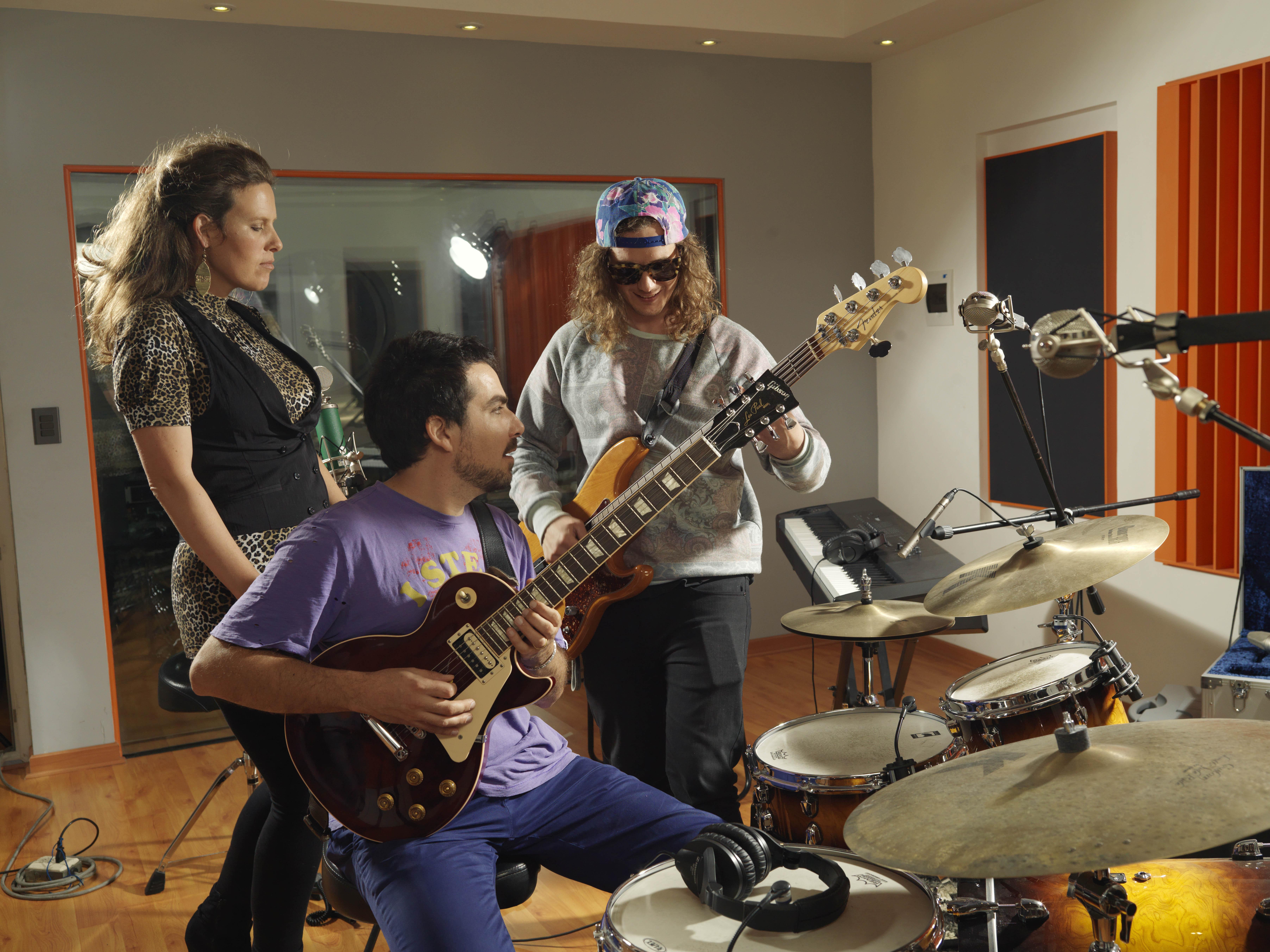 Nuevo proyecto musical de Movistar: ¡Tu video o foto se transforman en canción!
