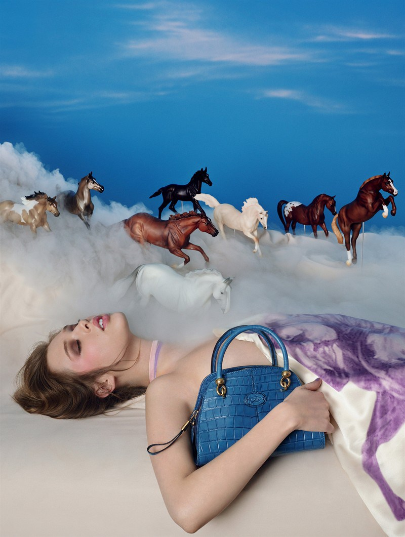 La campaña de David LaChapelle para el nuevo bolso de Tod's