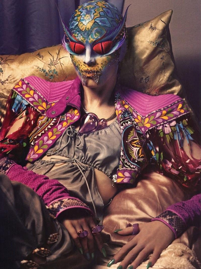 Karen Elson se transforma gracias a Kabuki, 2004