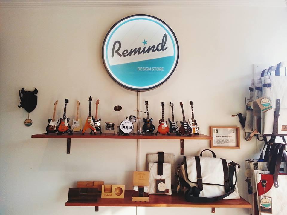 Remind Design Store – Ropa y decoración vintage