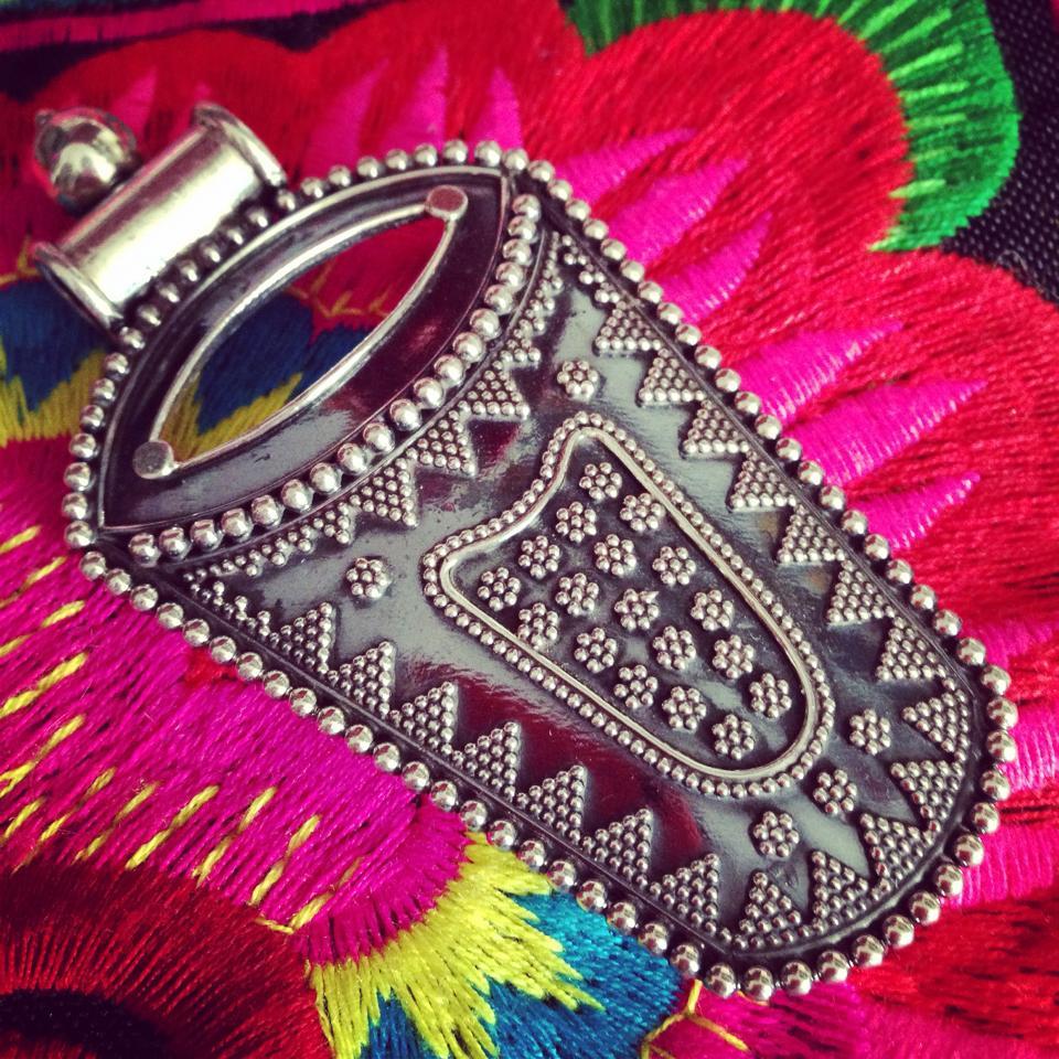 Magia India – Ropa, accesorios y joyería