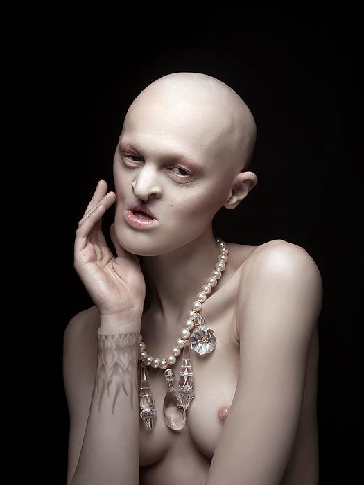 Melanie Gaydos, la modelo que le ganó a los estereotipos de belleza de la mano de su mutación genética
