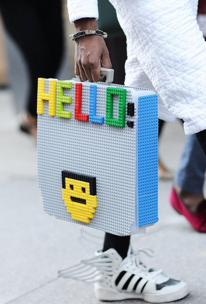 Los mejores accesorios sobre y bajo las pasarelas en el New York Fashion Week