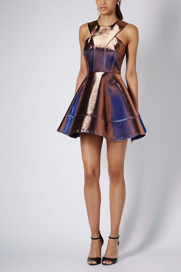 VLC Trends: ¿Qué vestidos usar para las ceremonias de fin de año?