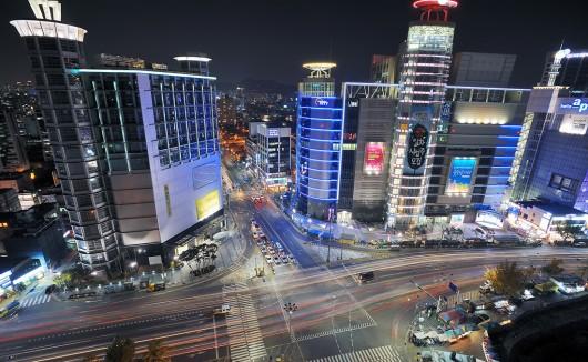 Dongdaemun: El distrito comercial que no duerme