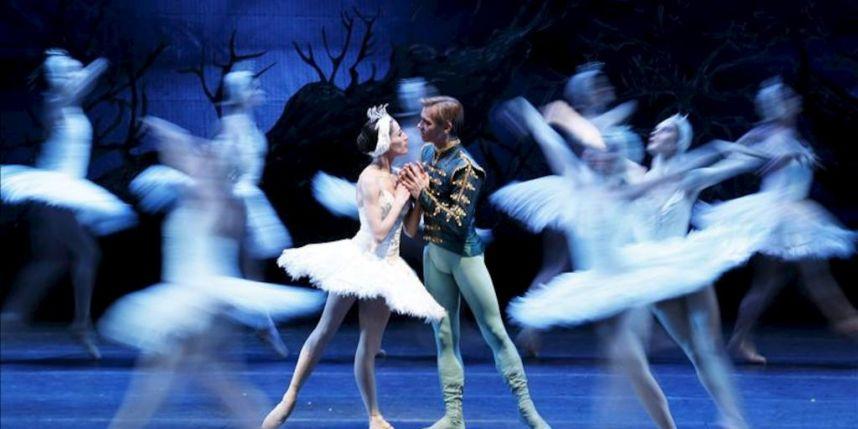 Cisnes de tul: ¿Cómo se confecciona un tutú en el Teatro Municipal de Santiago?