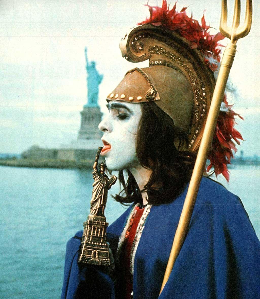 Flashback: Peter Gabriel y Brian Eno, pioneros del glam