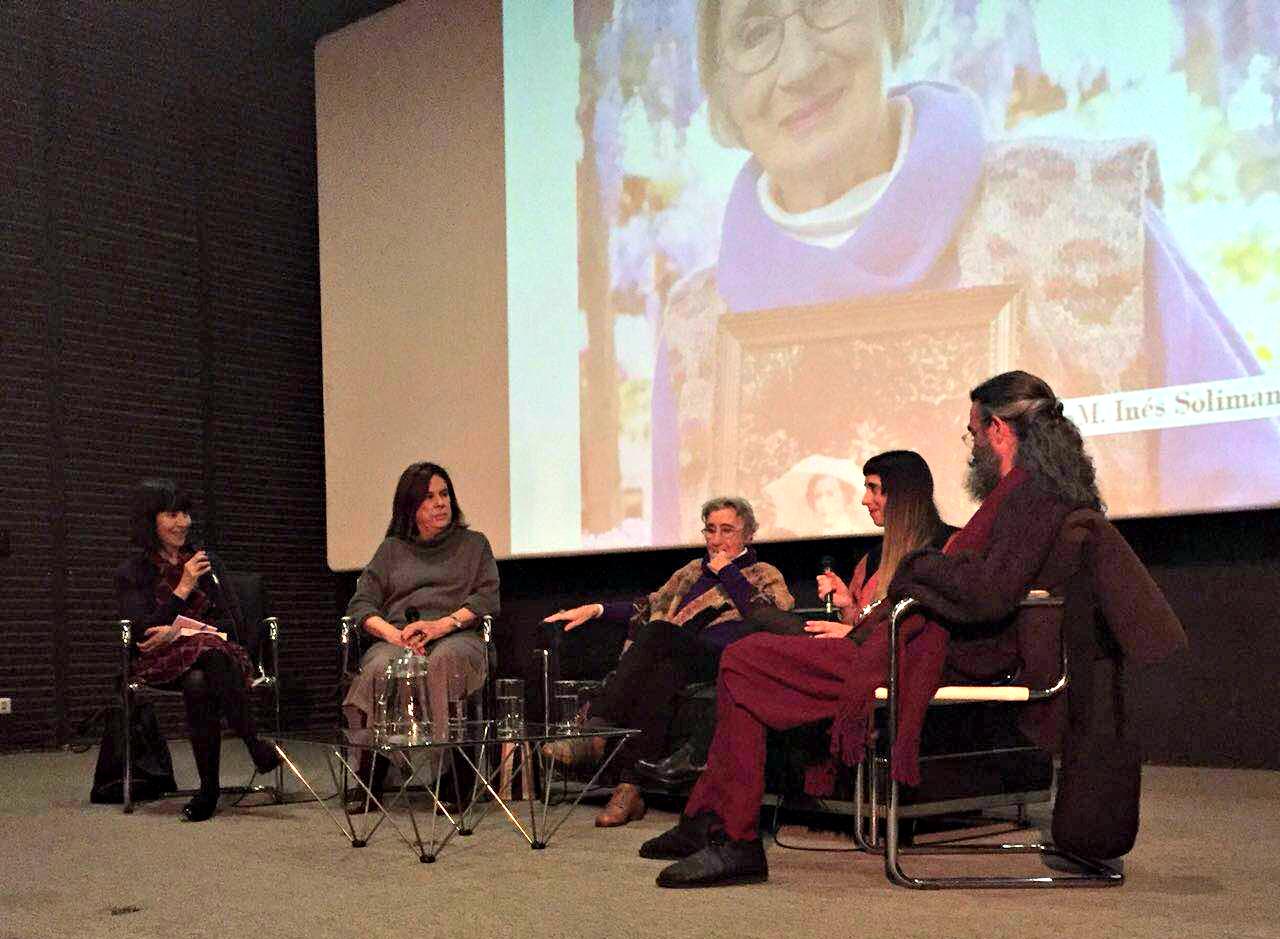 """Un repaso a los últimos 40 años del diseño chileno en la charla """"Conversaciones sobre Moda"""" en el Centro Cultural La Moneda"""