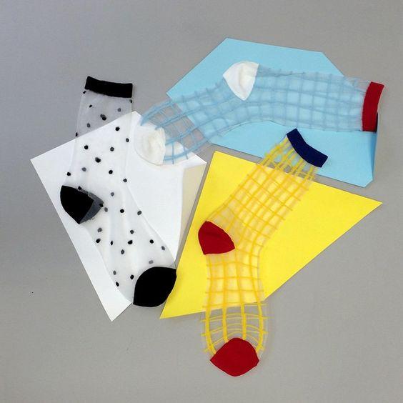 Sheer socks: Los calcetines transparentes que darán vida a tu clóset de media estación