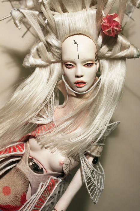 Realismo, moda y fantasía en las muñecas Popovy