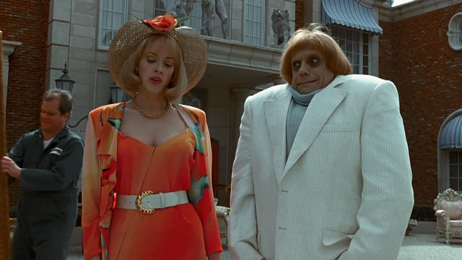 """Personaje favorito: Debbie Jellinsky o Joan Cusack en """"Los locos Addams 2"""""""