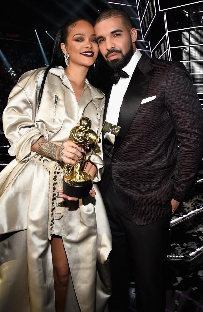 Los mejores looks de los premios MTV VMAs 2016