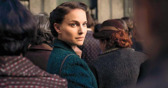 """Primeras imágenes de """"Planetarium"""", película protagonizada por Lily-Rose Depp y Natalie Portman"""
