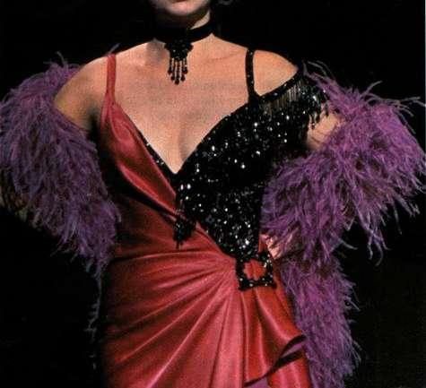 Los brillantes trajes de Bob Mackie en el cine
