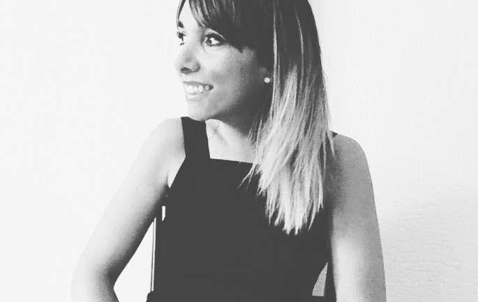"""Entrevista a Coca Ruiz, Diseñadora, Profesora y multitalento: """"La moda ha acompañado los cambios culturales, políticos, económicos y sociales de los pueblos"""""""