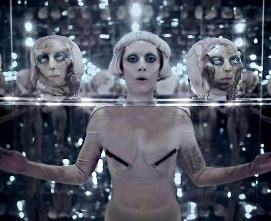 Lady Gaga cantará desde el espacio… ¿Quién la vestirá?