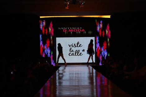 Desfile VisteLaCalle en Santiago D Moda: Paloma Labrín