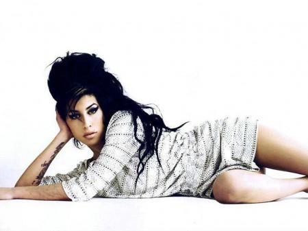 Amy Winehouse diseñadora de Vestuario