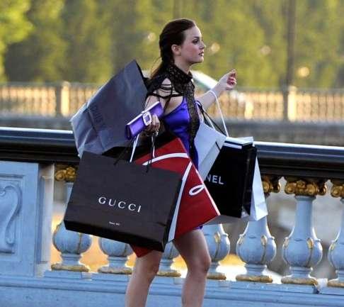 ¿Dónde encontrar prendas de grandes casas de moda a mitad de precio?