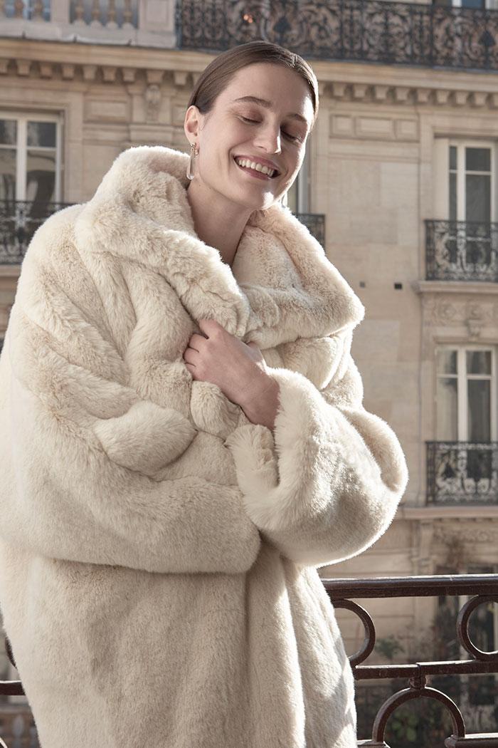 Maya Reik, la joven de 19 años que sorprende al mundo con su gran talento