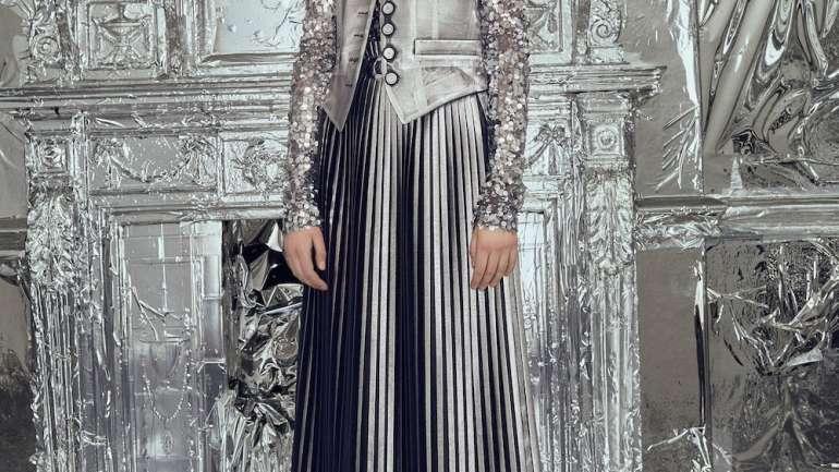 Moda en plata: MM6 Maison Margiela se inspira en The Factory de Warhol