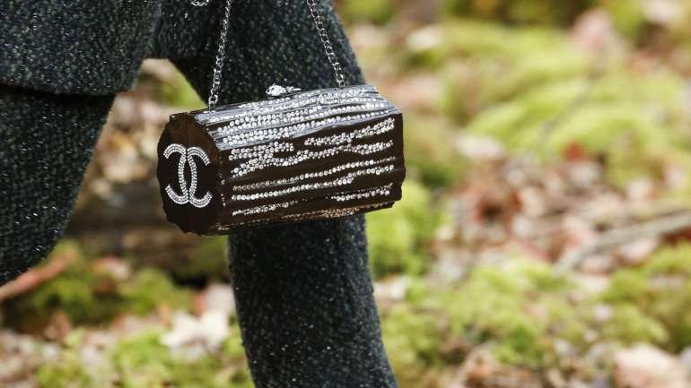 Los detalles y accesorios de Chanel/Louis Vuitton F/W 2018