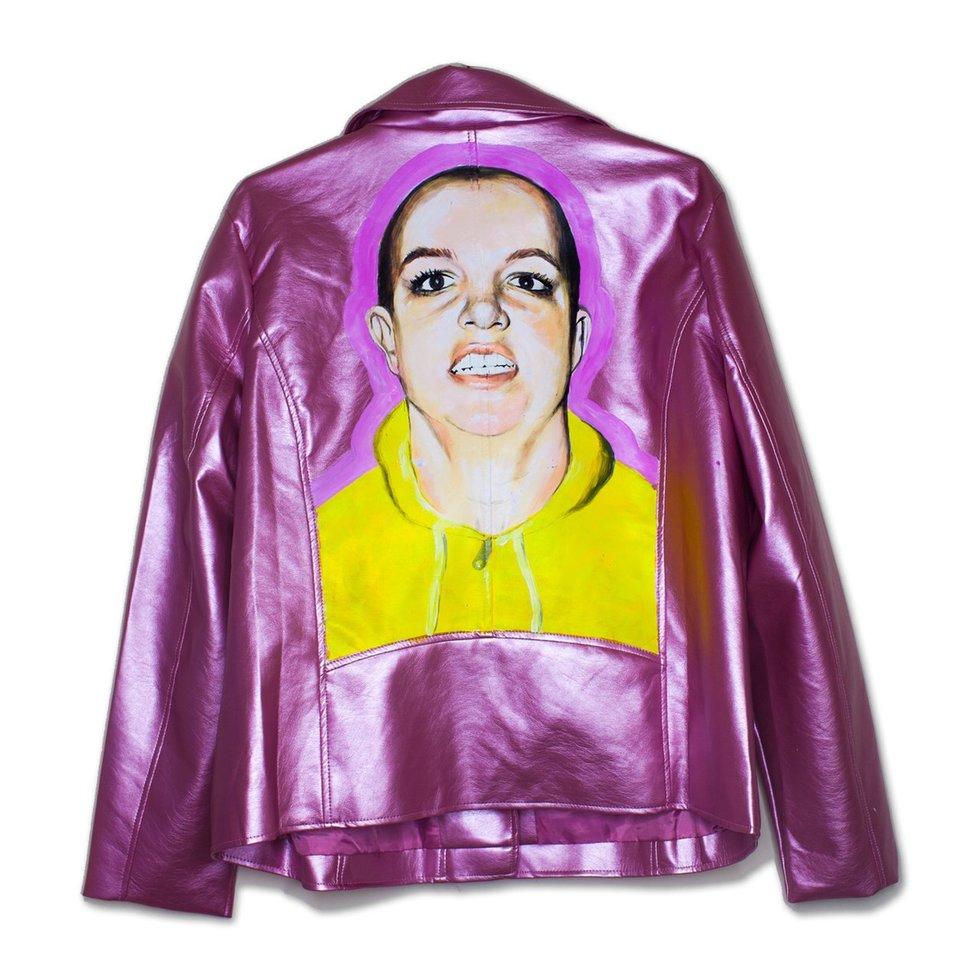 Nicky Ottav, el artista que plasma momentos infames de las celebridades en chaquetas
