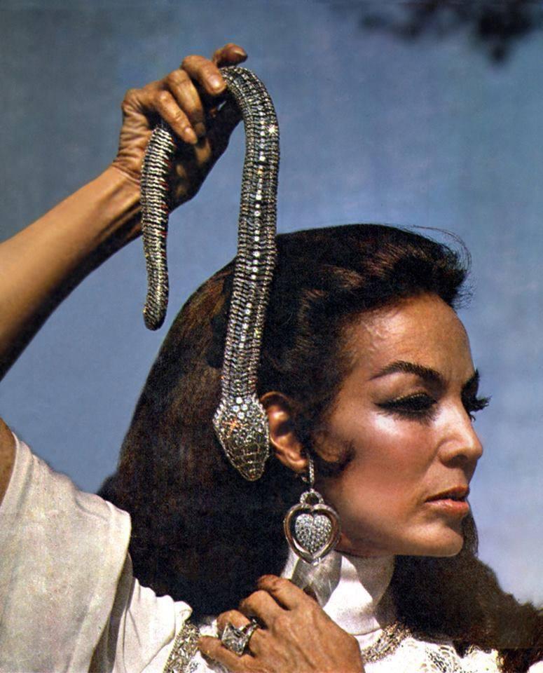 María Félix, el icono mexicano del cine que inspiró el collar serpiente de Cartier
