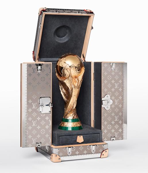 Louis Vuitton y el fútbol: Su lujosa colección junto a la FIFA