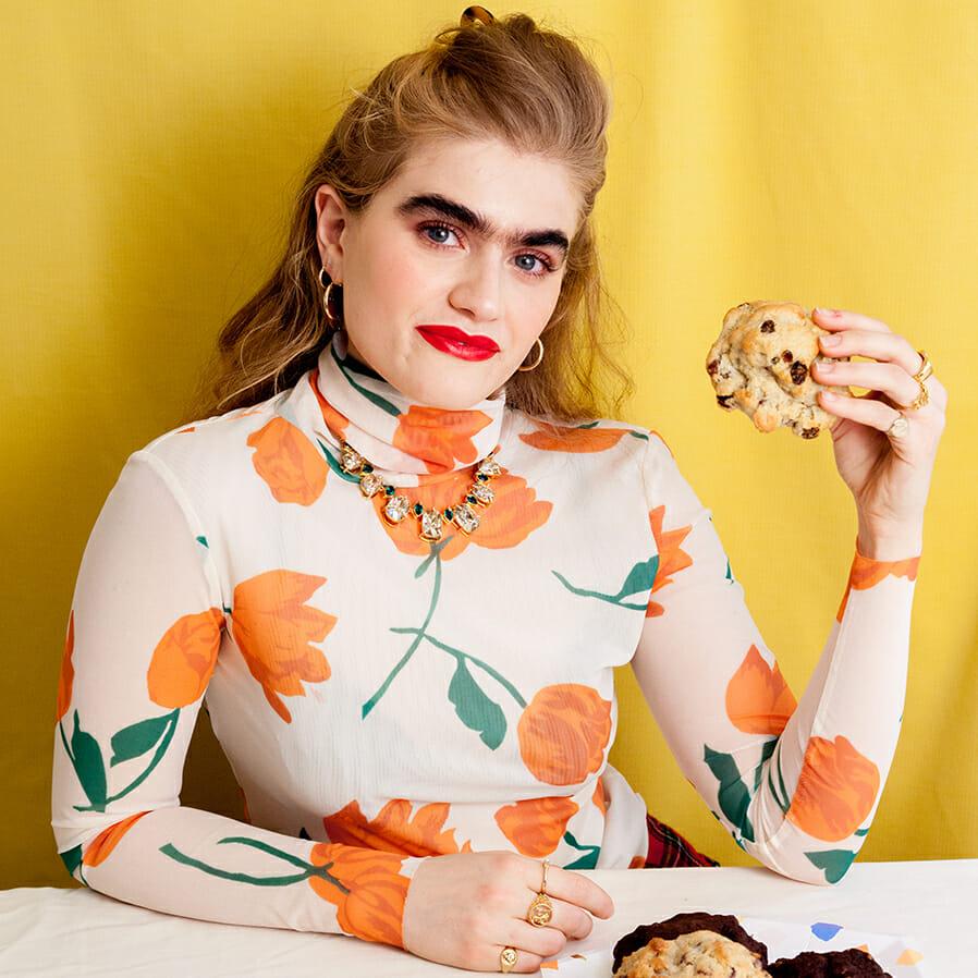 La modelo Sophia Hadjipanteli y su #UnibrowMovement