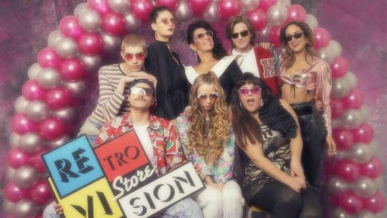 #Retrovis10n: El aniversario de la popular tienda de lentes a través de sus campañas