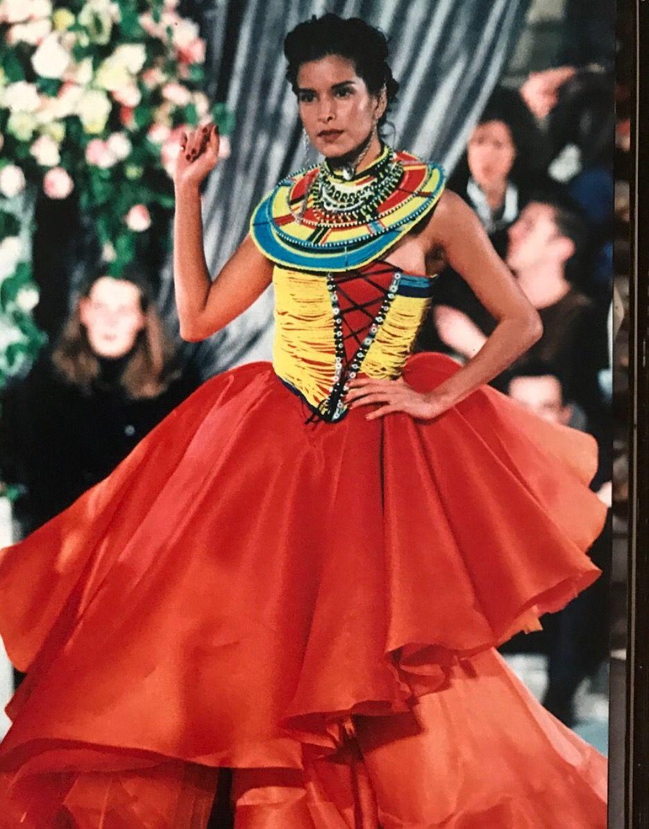 Flashback: Patricia Velásquez, la primera supermodelo de origen indígena