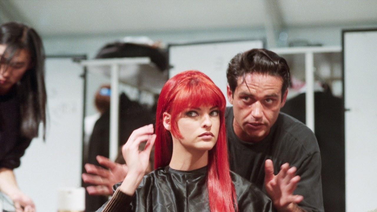 El legado de Oribe Canales, el estilista que moldeó la era de las supermodelos