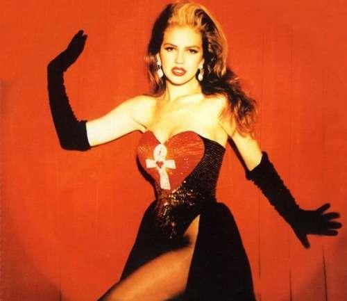 inspirémonos para Año Nuevo con el estilo de Thalia en los '90