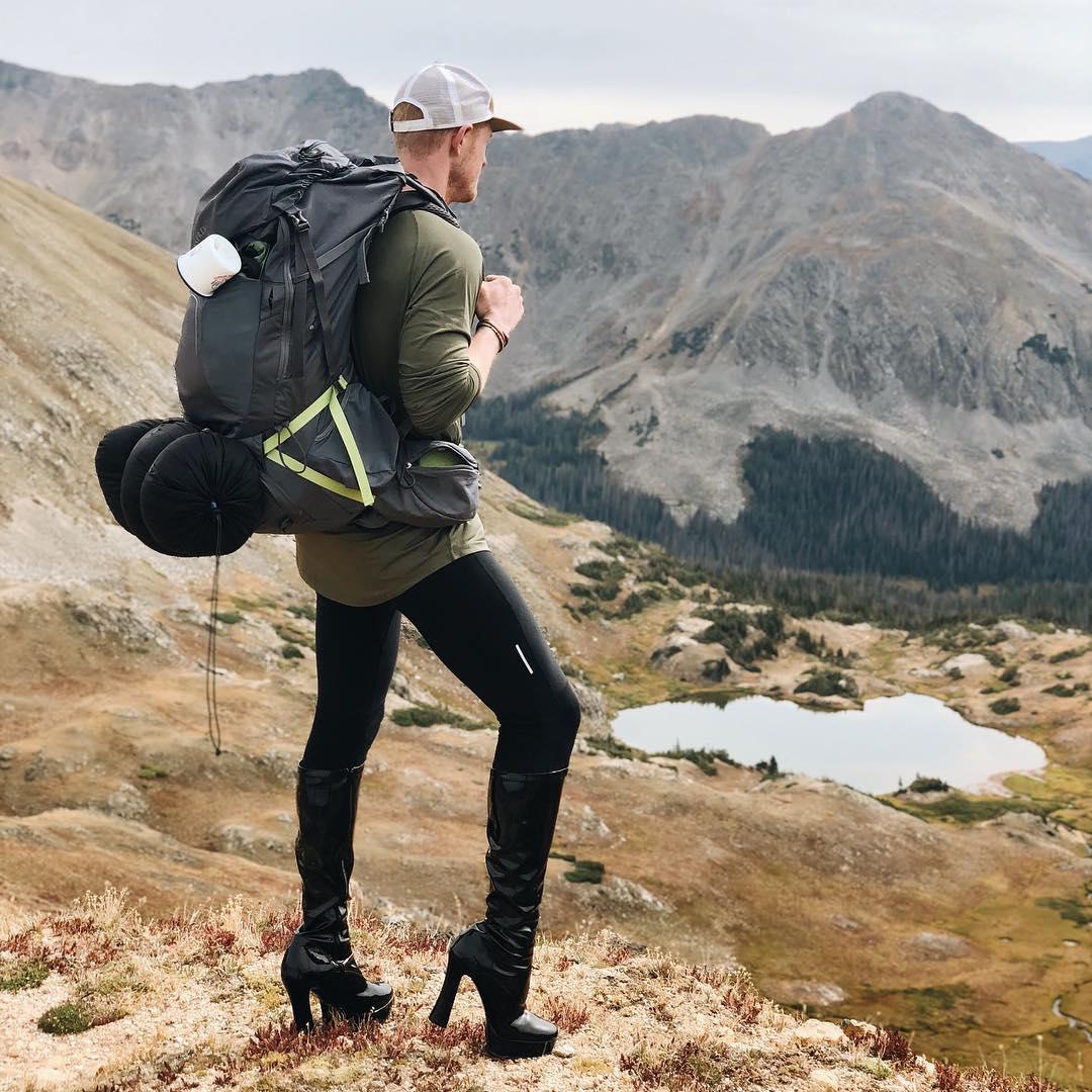 Pattie Gonia, el primer montañista drag queen