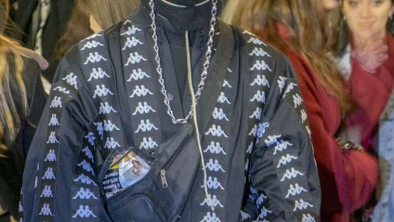 El street style en el desfile de Versace x Nicolás Stark