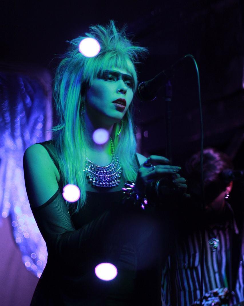 Hablando de estética con Silke Möller, vocalista del grupo chileno Causa de Muerte