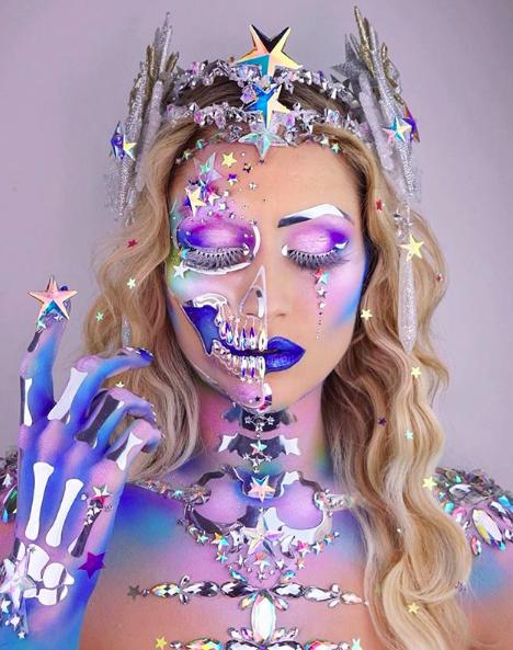 The skulltress, una makeup artist reconocida por sus maquillajes inspirados en esqueletos o calaveras