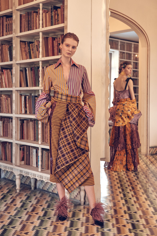 Silvia Tcherassi, la diseñadora colombiana que ha vestido a figuras de la realeza y a Dua Lipa