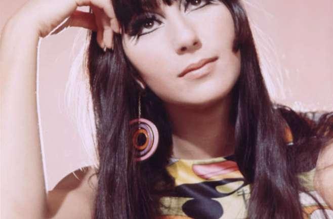 Feliz cumpleaños Cher: Inspirémonos con sus looks de los '60