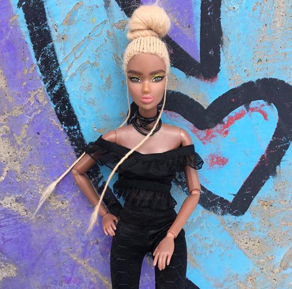 We Love The Royal Dolls, una cuenta que muestra las transformaciones de belleza de las muñecas