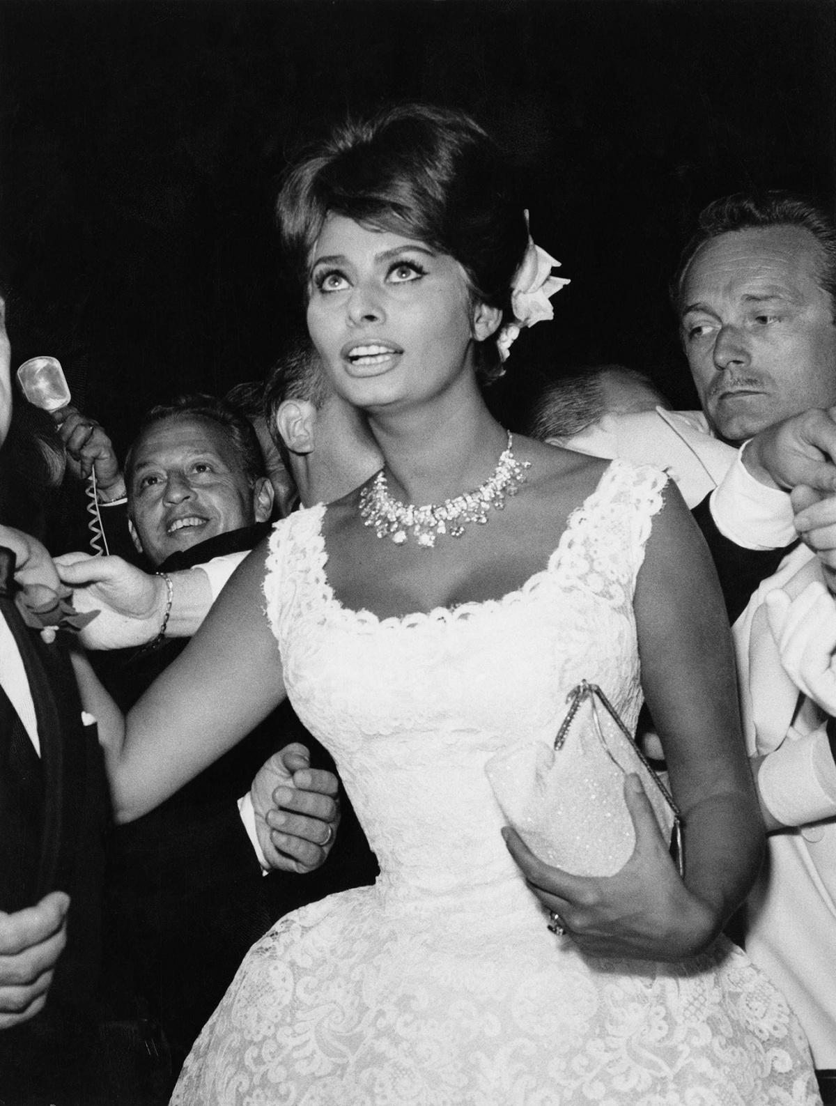 Sophia Loren y Dior, una relación de elegancia