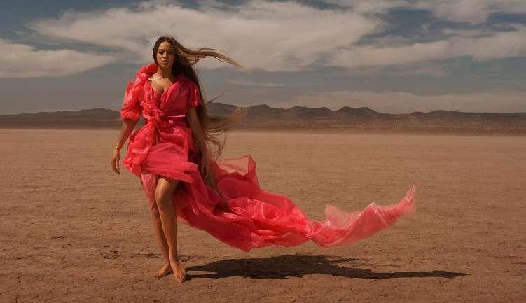 """Todos los looks que utilizó Beyoncé en su video """"Spirit"""""""
