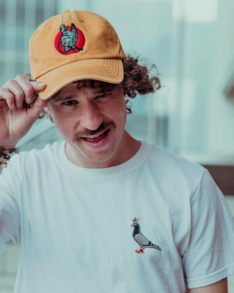 'Rey Palomo', la marca de vestuario con la que el youtuber Luisito Comunica encanta a sus fanáticos