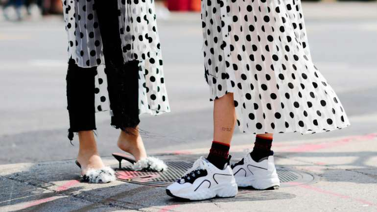 Por qué siempre debes tener un par de zapatillas en tu clóset